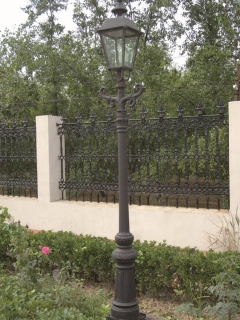 UK style garden lamp post